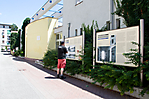 Reschenstraße mit Gedenkstätte