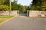 Eingang zur ersten Gedenkstätte -