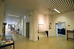 Flur in der Gedenkstätte zur Ausstellung und zu Seminarräumen
