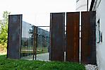 Gestaltung der ehem. Busgarage mit Stahl und Glas