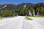 Zufahrt zur Gedenkstätte von Slowenien