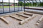 Durch Glaspavillon geschützte Freilegungen des ehem. Bunkers (Mai 2011)