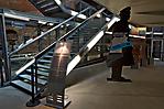 Eingangsbereich und Treppe zur Ausstellung