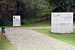 Wegweiser und Geländeüberblick (neuere Gestaltung)