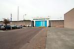 Eingang zum Gefängnis auf einem Teil des ehem. Lagers